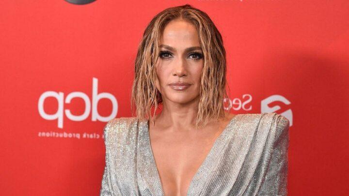 Jennifer Lopez's Beyond Yoga Leggings Are On Sale at Amazon