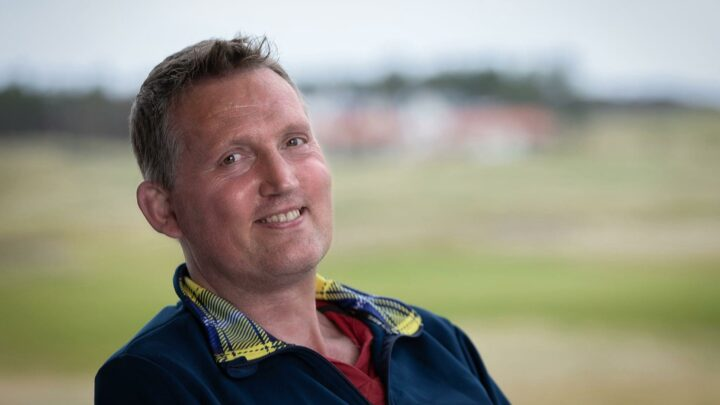 Lions legend Doddie Weir teams up with South Africa's Schalk Burger to create charity wine
