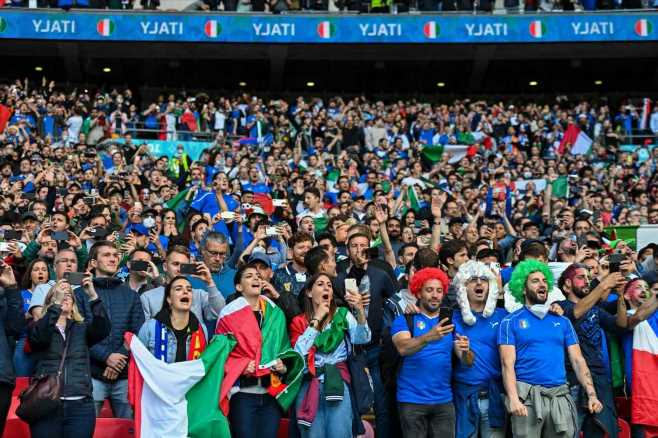Ministers ground flights packed with ticketless Italy fans for the Euro 2020 final against England