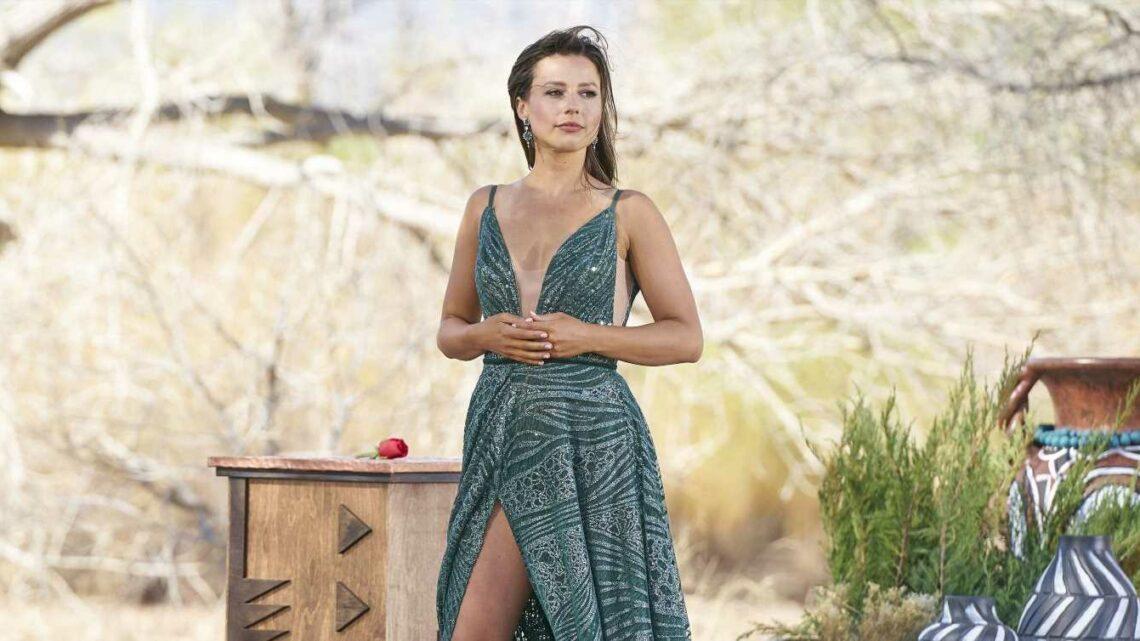 An Expert Analyzes Katie Thurston\u2019s Body Language With Her Final Three \u2018Bachelorette\u2019 Contestants