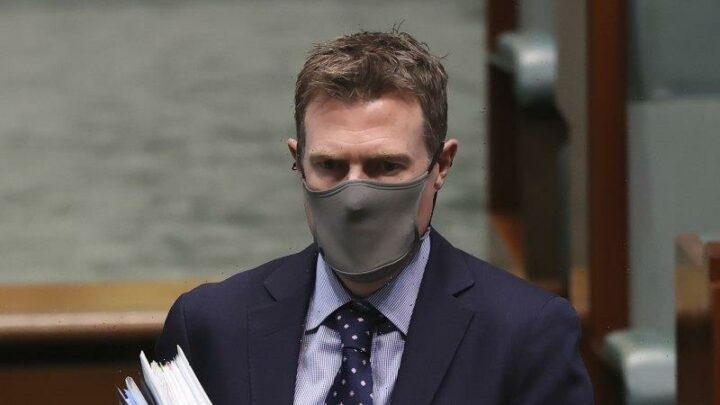 Christian Porter wins legal bid to stop media outlets publishing ABC defence