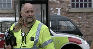 Corrie fans in hysterics as firefighter tells Tyrone to 'open windows'