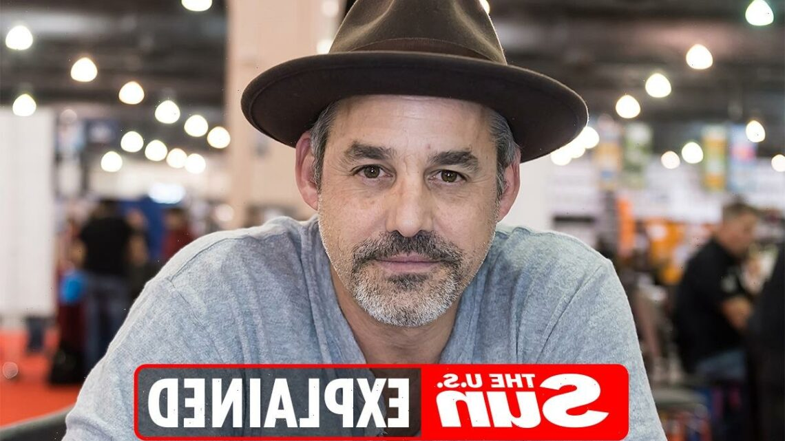 Does Nicholas Brendon have a twin brother?