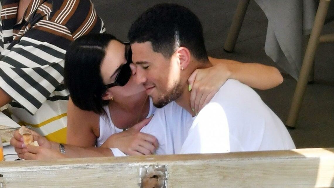 Kendall Jenner Gives BF Devin Booker a Sweet Kiss During Italian Vacay