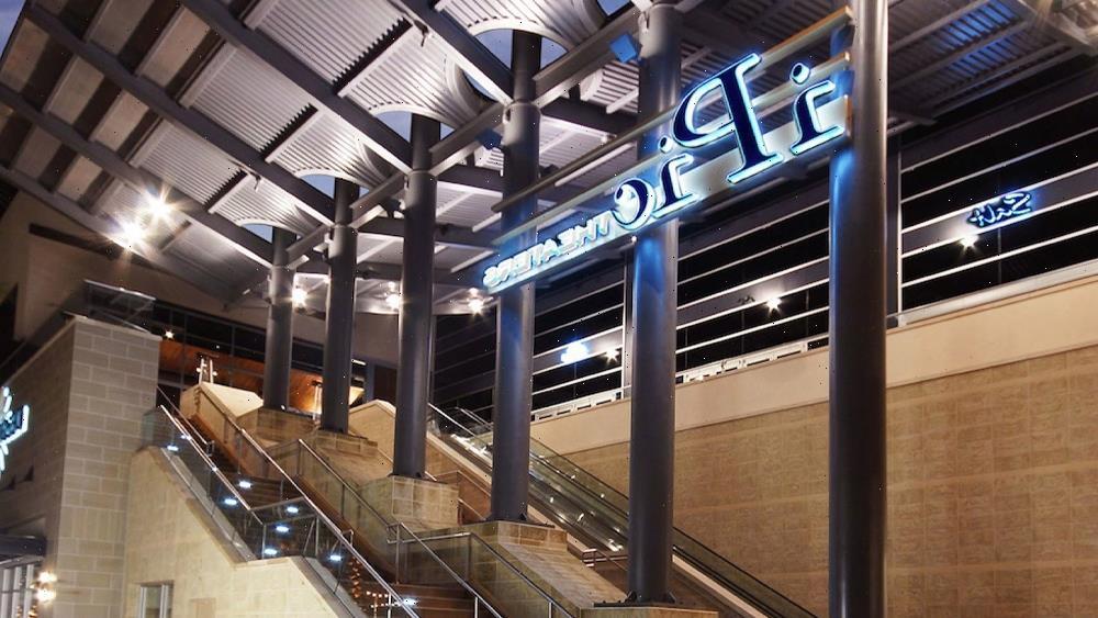 Landmark Theatres Takes Over iPic Scottsdale Quarter Luxury Venue In The Phoenix Market