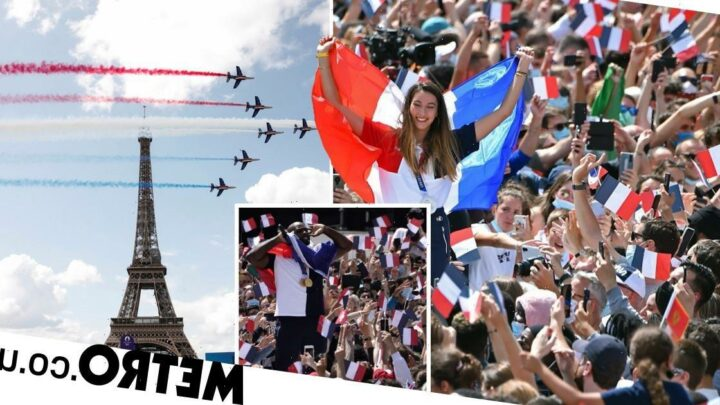 Paris greets Tokyo Olympics handover with wild celebrations under Eiffel Tower