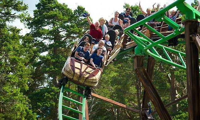 Rollercoaster comes off the track at Scottish theme park