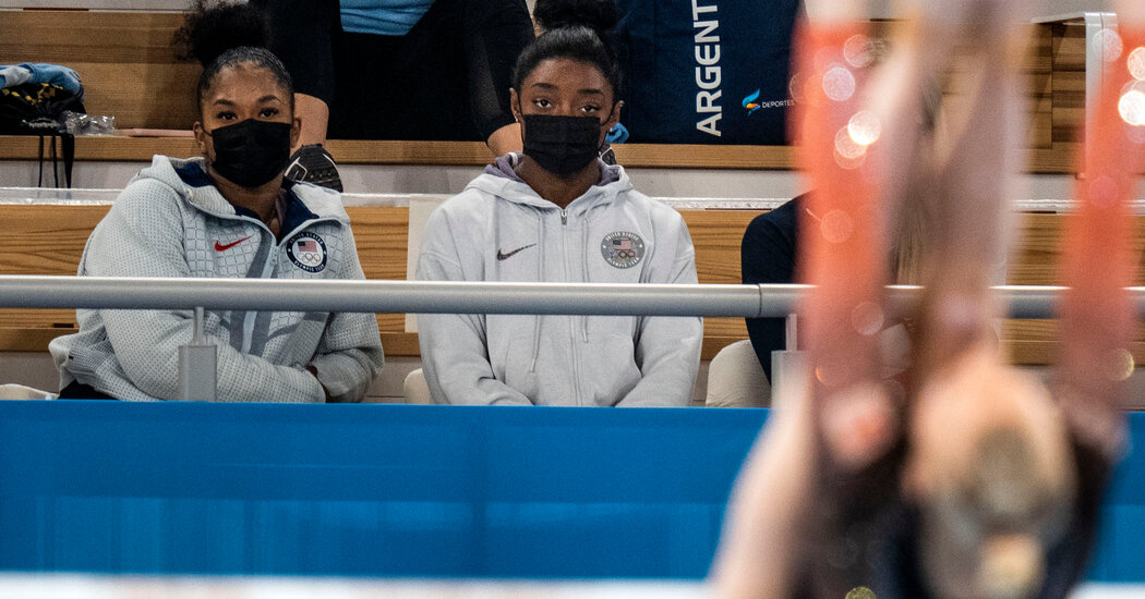Simone Biles has withdrawn from the gymnastics floor exercise final.