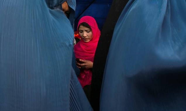 Terrified Afghans scramble to delete their digital history