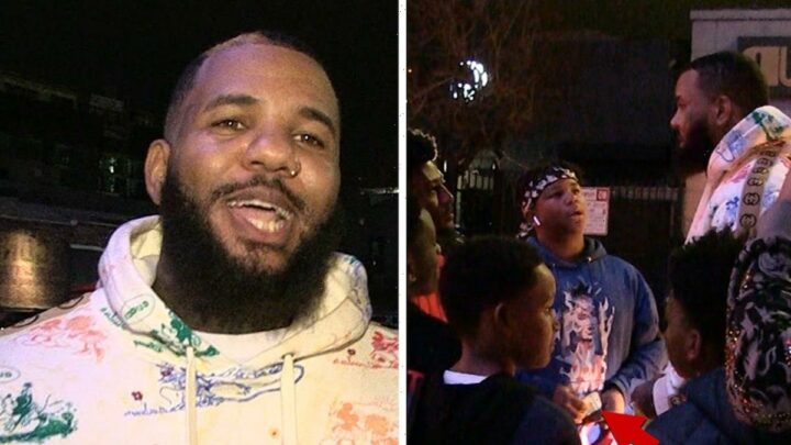 The Game Gives Money to Kids Selling Candy to Avoid Police Hassle