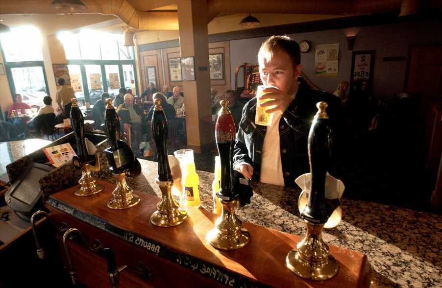 Wetherspoons August Bank Holiday 2021 opening times: What time are stores open today?