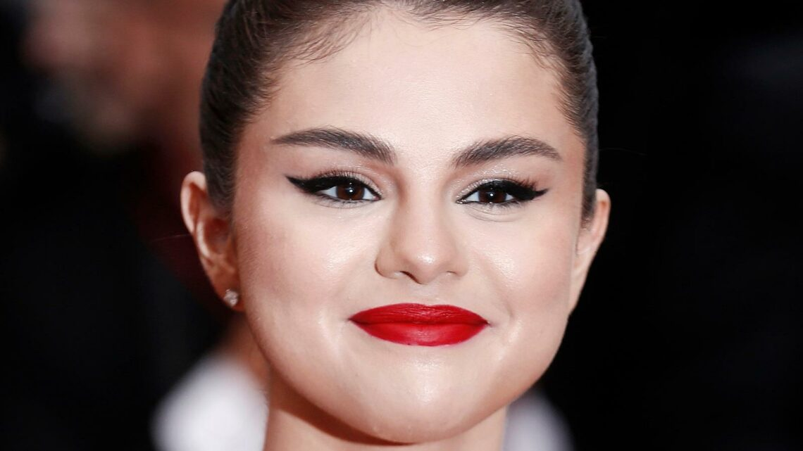 What Selena Gomez Really Looks Like Under All That Makeup
