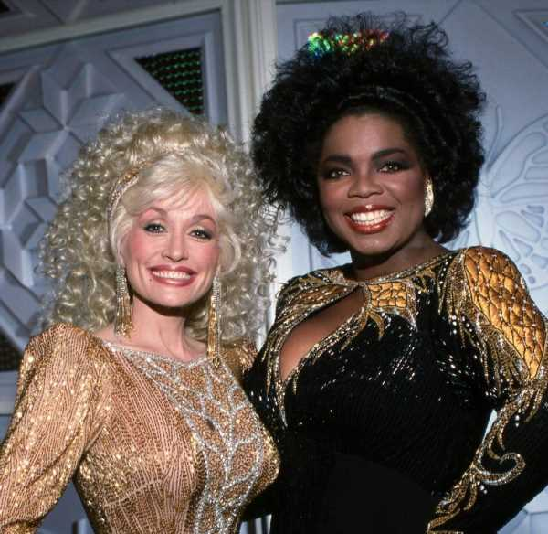 'The Oprah Winfrey Show': Fans Accuse Oprah of Trying to Embarrass Dolly Parton With Questions About Plastic Surgery and Depression