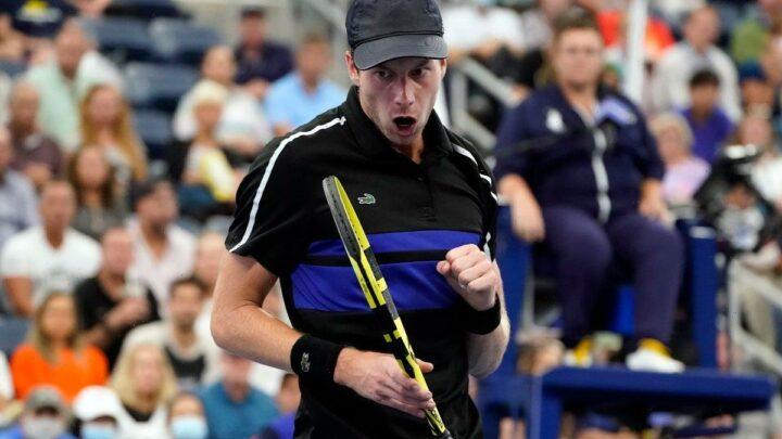 Botic van de Zandschulp stuns Diego Schwartzman to reach US Open quarter-finals