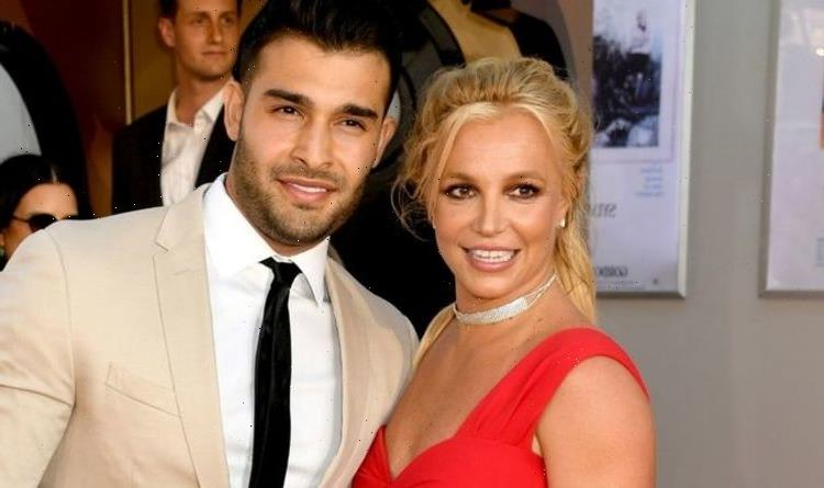 Britney Spears' fiancé spoke out on singer's father amid conservatorship row: 'Total d***'