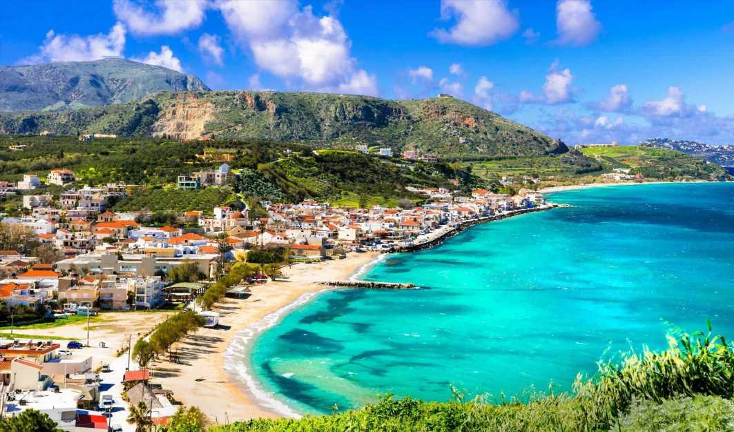 Greek Island of Crete hit by 6.5 magnitude tremors as earthquake 'shakes buildings' sparking 'tsunami warning'