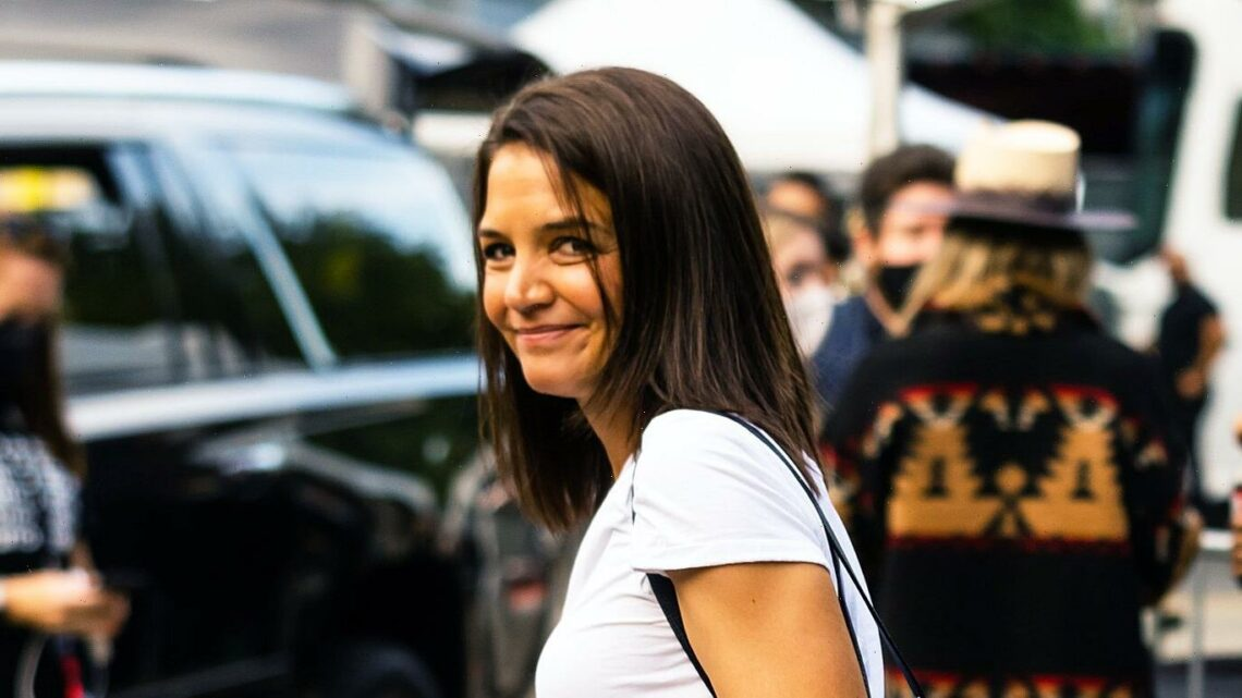 Katie Holmes Is Bringing Back This 2015 It-Bag With 2021's Favorite Shoe