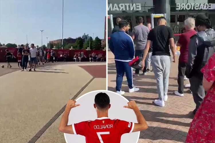 Man Utd fans form HUGE queue for Cristiano Ronaldo No7 shirt as sales continue to soar after sensational transfer return
