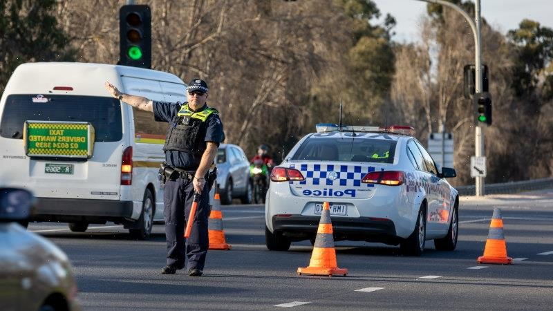 State records surge of 1438 new COVID-19 cases, five deaths, as double-dosed Victorians allowed to return home