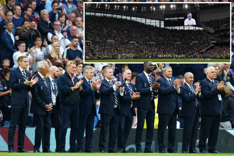 Tottenham legends line up in emotional tribute to Jimmy Greaves as fans and players stand and applaud after his death