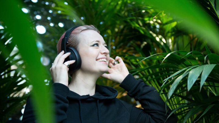 Adults are happier when they are surrounded by plants, study finds