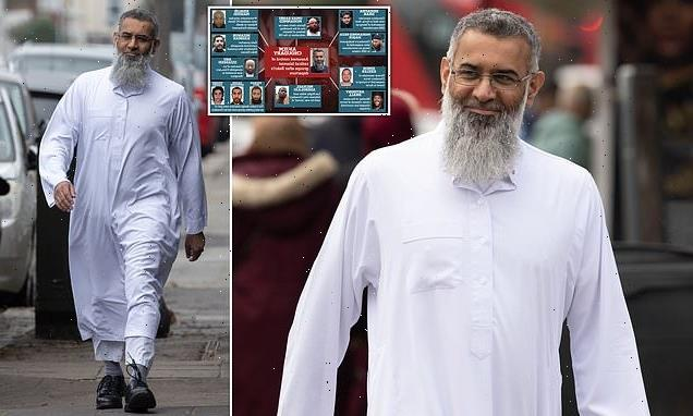 Hate preacher Anjem Choudary whinges he's being abused online