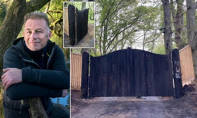 'Thugs blow up Land Rover' outside of Chris Packham's home